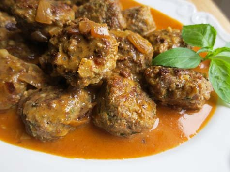 thai spiced meatballs in a coconut curry