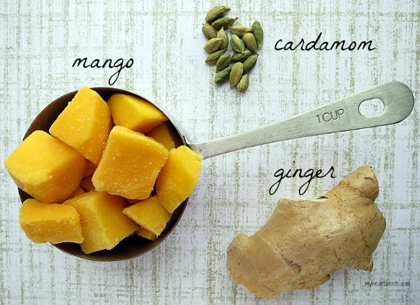 a sweetly spiced mango smoothie by www.myheartbeets.com
