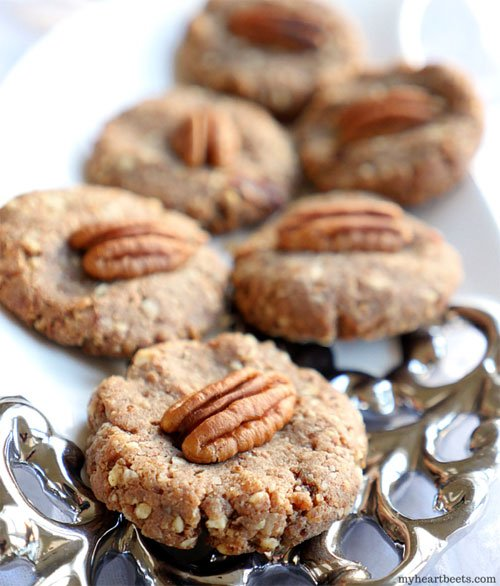 pecan pie cookies made with 3-ingredients by myheartbeets.com
