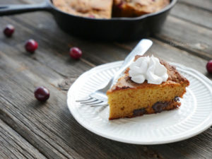 cranberry chocolate skillet cake - paleo friendly - by myheartbeets.com