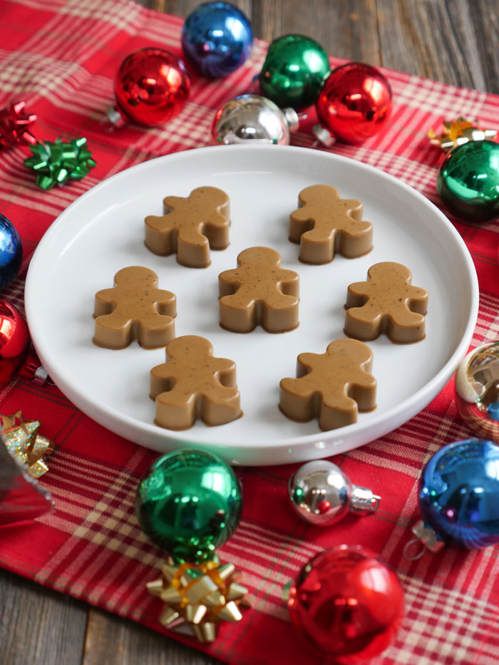 These Gingerbread Gummies are a healthy and tasty holiday treat! Recipe by Ashley of MyHeartBeets.com