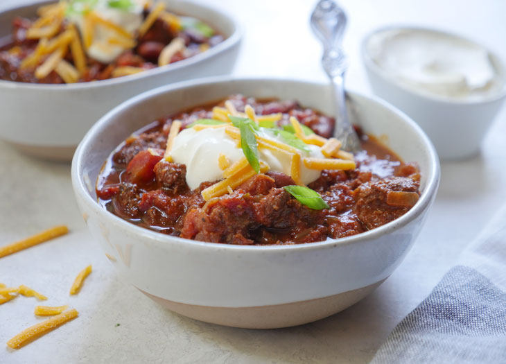 Instant Pot Beef and Kidney Bean Chili by Ashley of myheartbeets.com