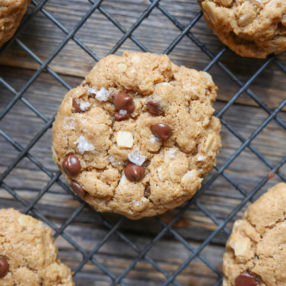 Gluten Free Chocolate Chip Oatmeal Cookies