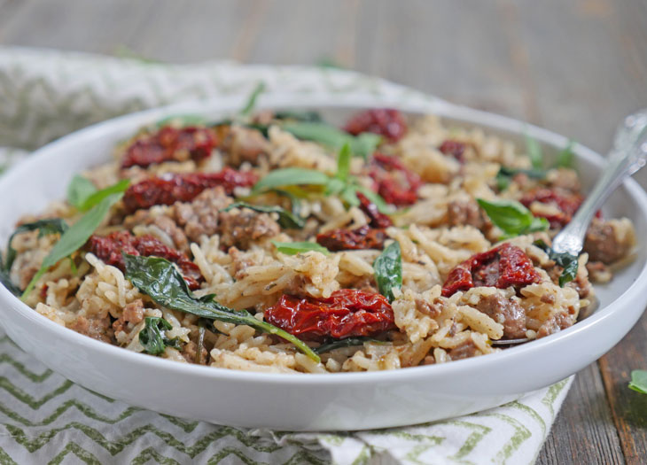 instant pot ground lamb pilaf with sun-dried tomatoes and basil