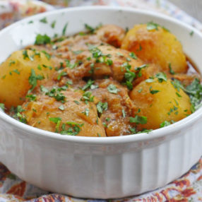 Chicken curry with potatoes