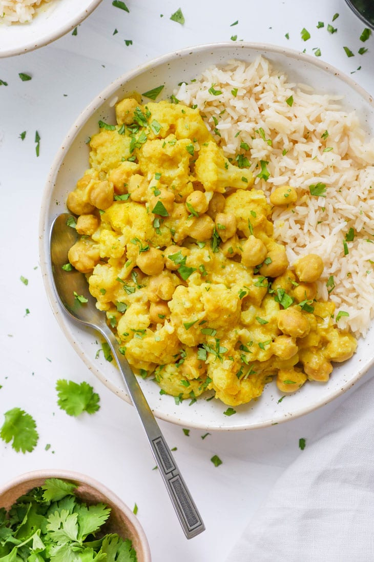 cauliflower chickpea coconut curry